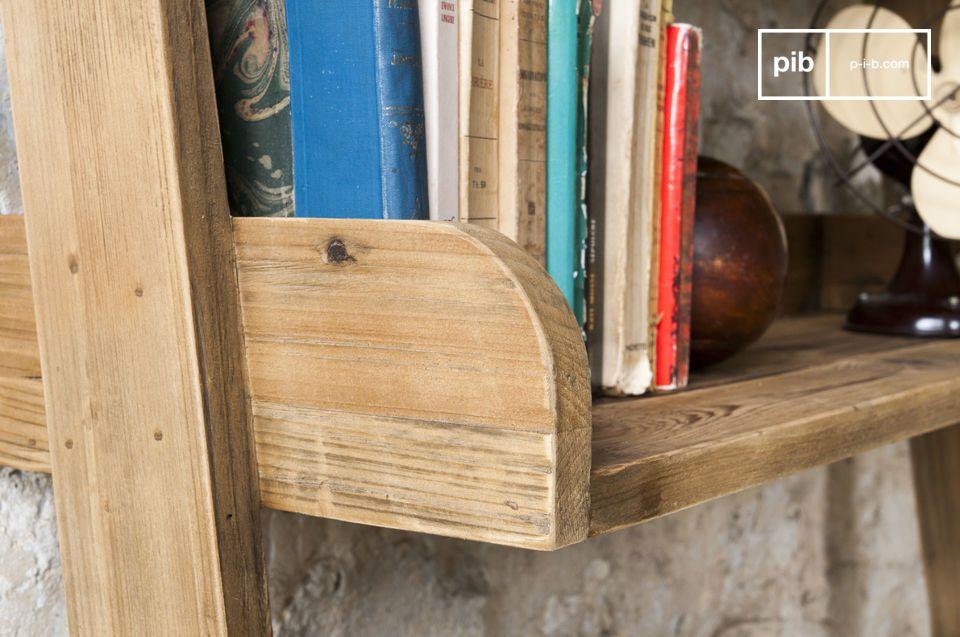 Volledig gemaakt van antiek massief hout