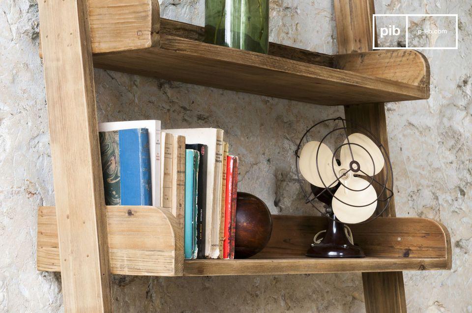 De Grote Echelle boekenkast biedt vijf stevige boekenplanken die geschikt zijn voor allerlei items
