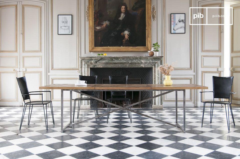 De tafel past in zowel loft als klassiekere interieurs, in een Boheemse plattelandsstijl