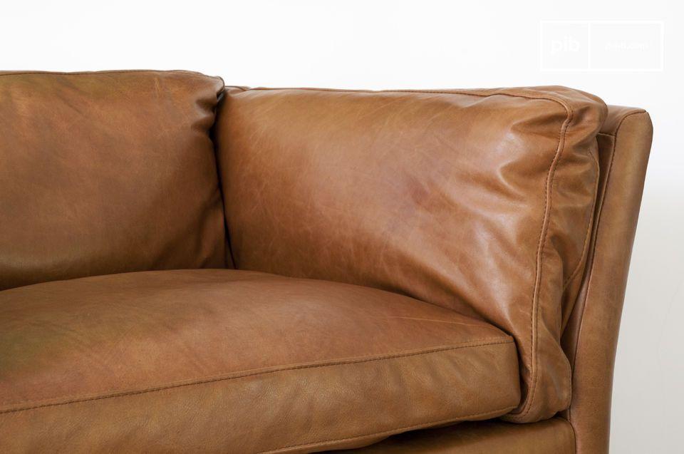 De onberispelijke afwerking van de fauteuil is duidelijk het gevolg van de uitstekende bruining van