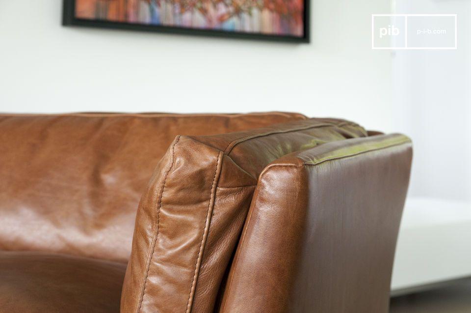 Deze bank is ideaal voor in een Scandinavisch, klassiek of modern interieur met een vintage stijl
