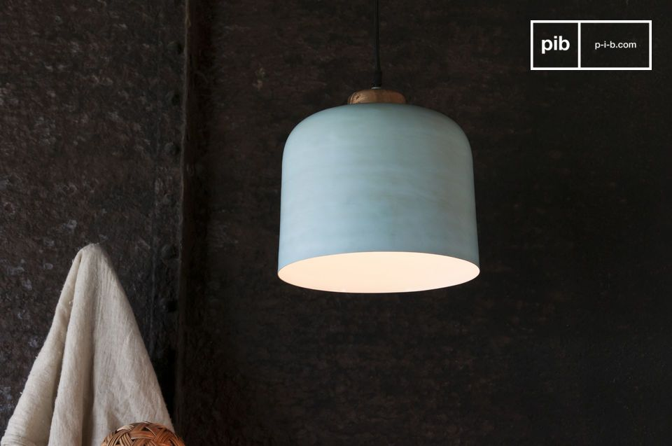 Een klokvormige hanglamp met Scandinavische accenten