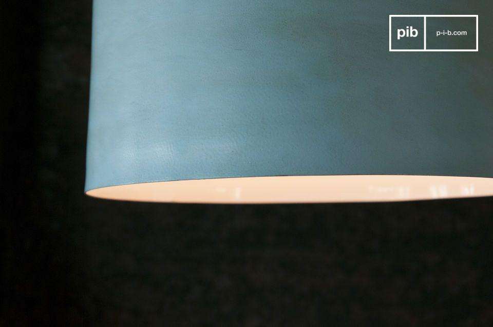 Versterk uw interieur door uw woonkamer een groot formaat lamp toe te voegen tussen de bohemien- en