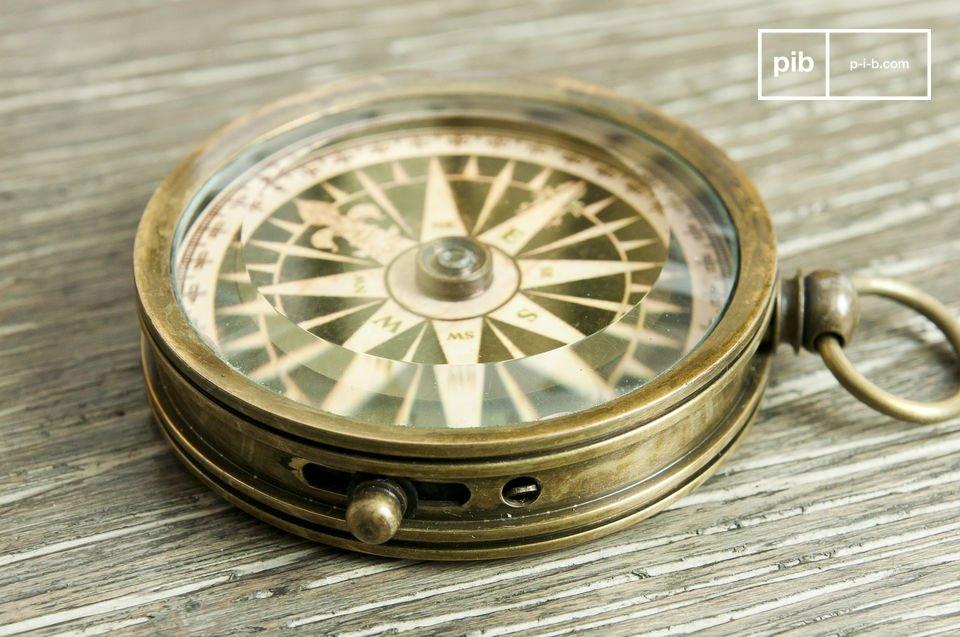 Efficiënte kompas van koper met een retro stijl
