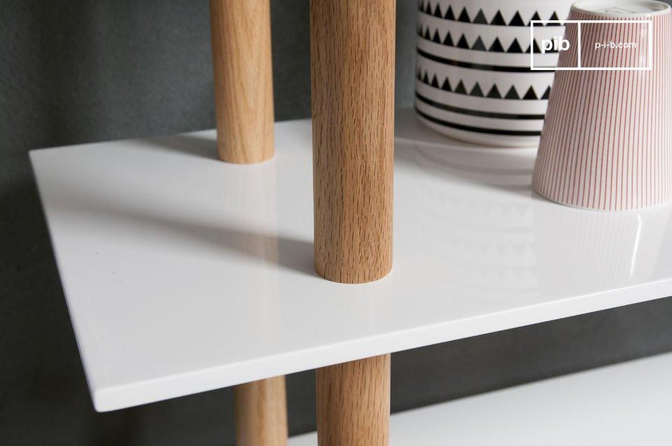 De High on Wood boekenkast is een goed exemplaar van aantrekkelijke Scandinavische meubelstukken die