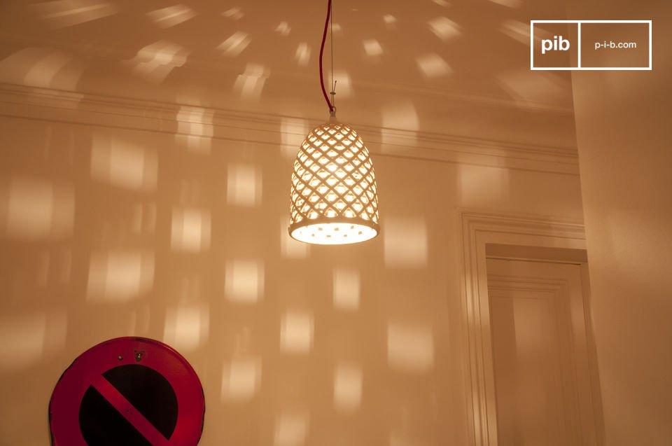 De stroomkabel is transparant/witHeb je een lamp nodig om een gotische kerk te verlichten? Wees