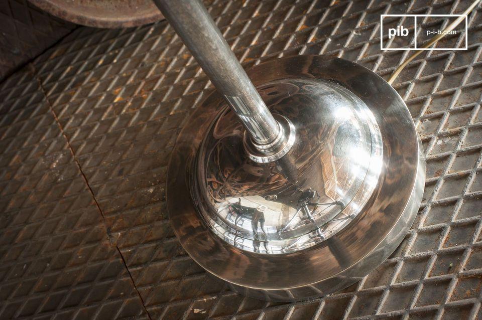 Perfecte eenvoud van een retro industrieel leeslampje met verfijnde details