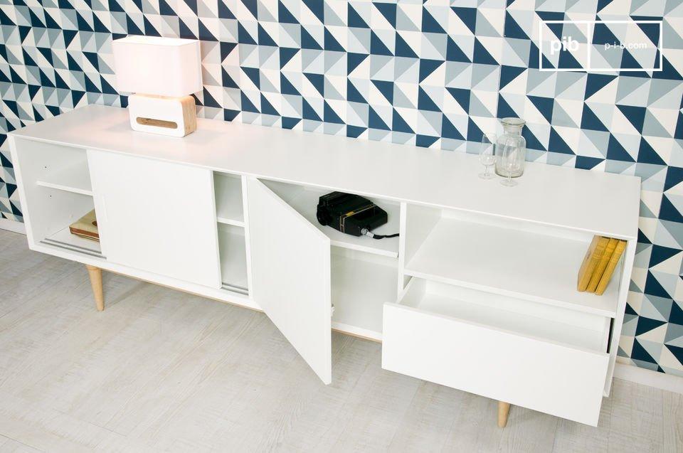 Daarnaast heeft het dressoir heeft een Scandinavische look met een vintage twist