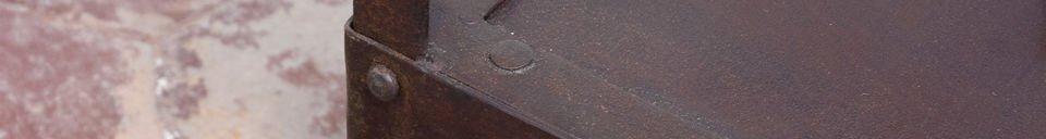 Benadrukte materialen Industriële bijzettafel