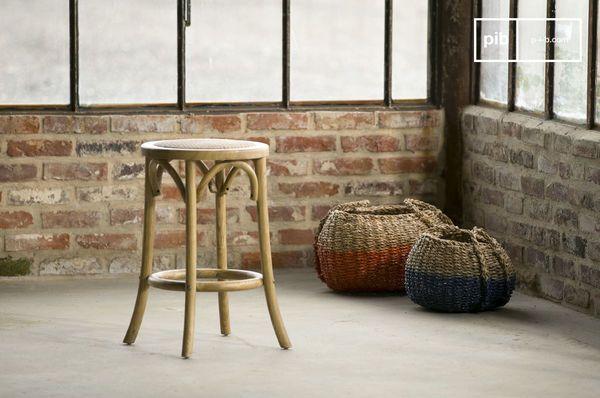 Industriele houten stoelen