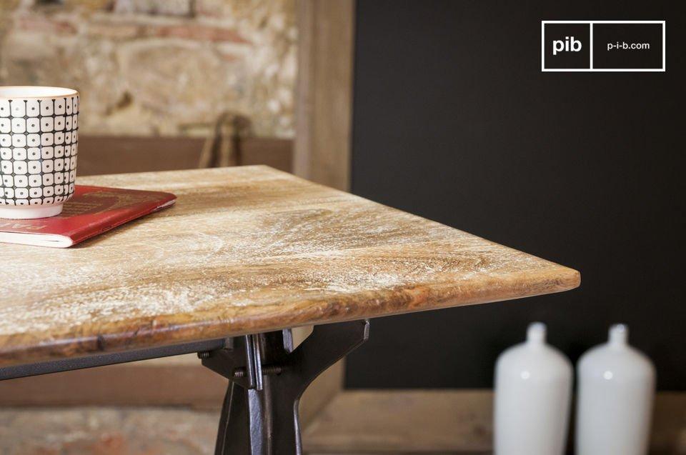 De Jetson sidetable is een prachtig meubelstuk dat de industriële stijl combineert met dikke lijnen