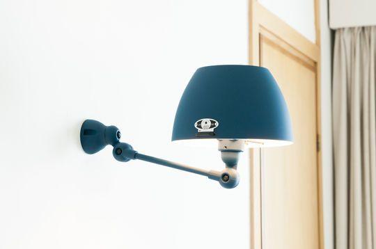 Jieldé Aicler zeeblauwe wandlamp
