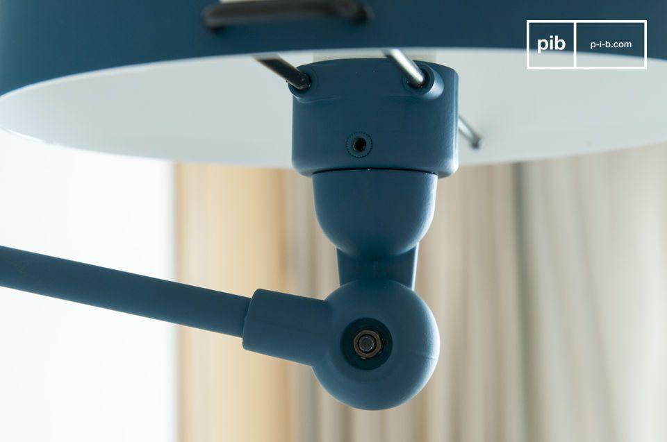 Een herinterpretatie van de beroemde Franse scharnierlamp met een moderne vormgeving.