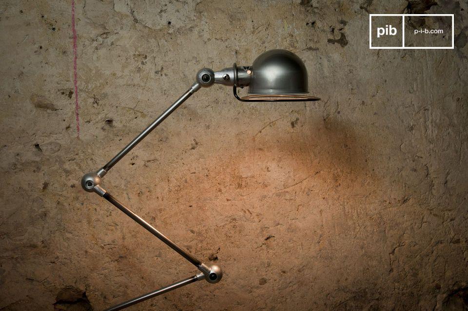 Verlicht je interieur met deze iconische lamp, dat bijna een industrieel beeldhouwwerk is