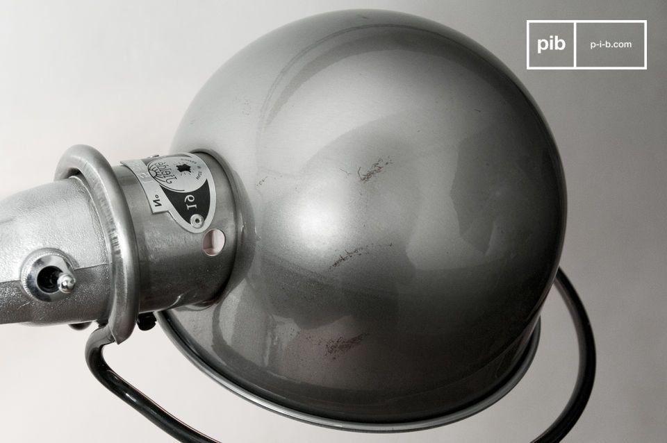 Deze klassieker van Jieldé Loft is zeer stabiel dankzij zijn klem met een diameter van 8 cm