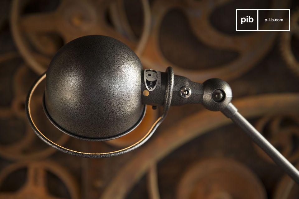 Verlicht je interieur met deze Jieldé lamp, een icoon van de Franse industriële stijl