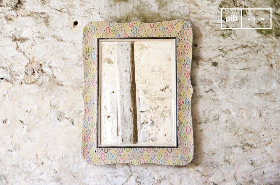 De Joan spiegel is de ideale accessoire voor in een landelijk interieur