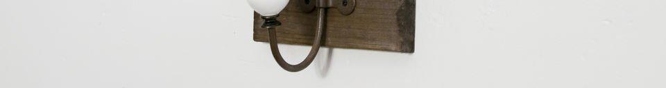 Benadrukte materialen Kapstok met keramische dubbele haak