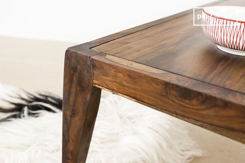 De Kitell salontafel is een prachtig meubelstuk dat elegantie zal toevoegen aan je in woonkamer