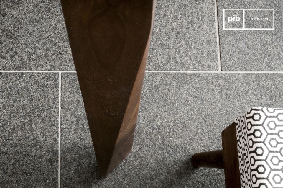 Het meubelstuk is geïnspireerd op Scandinavisch design uit de jaren \'60