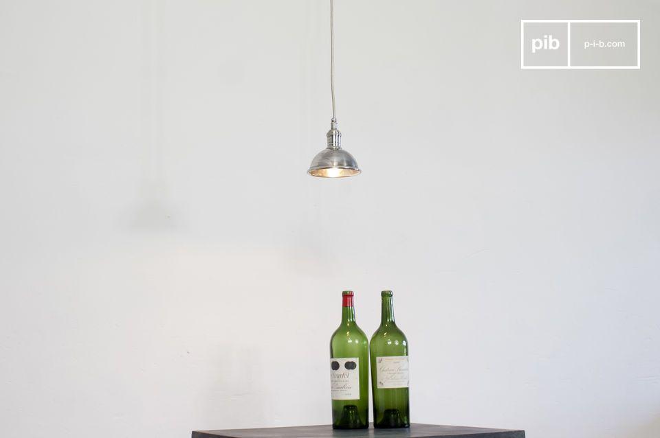 Een mooie  vintage hanglamp  gemaakt van verzilverd koper met een snoer dat is omwikkeld met metalen