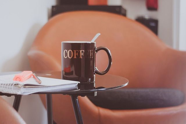 Koffietafel lederen zetel