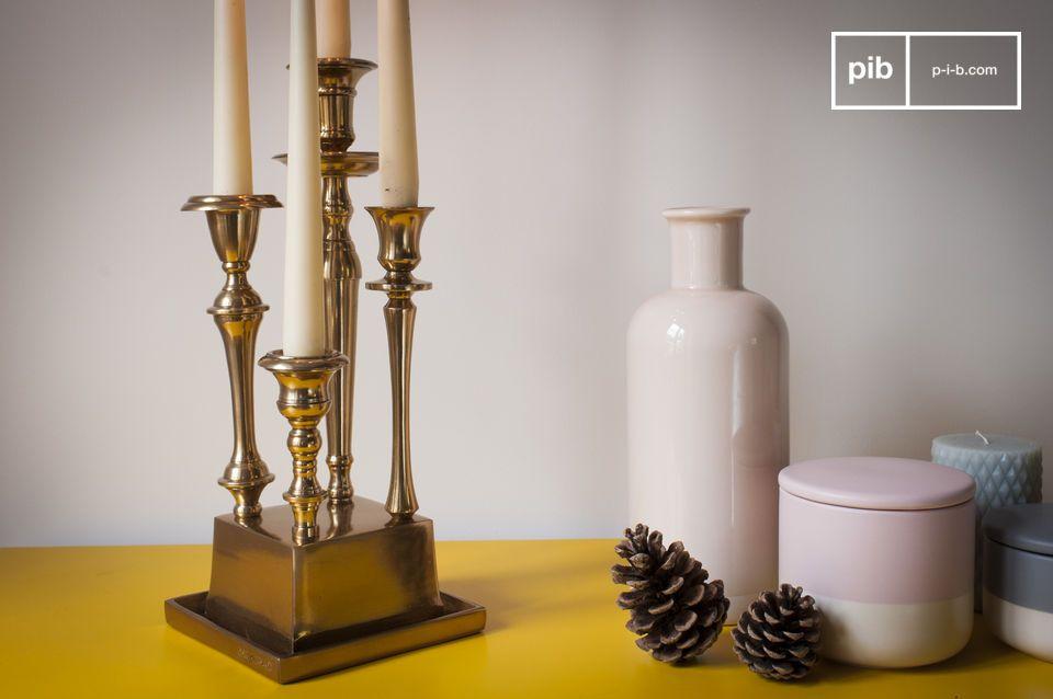 Als belangrijk decoratief element in het midden van een tafel of op een consoletafel