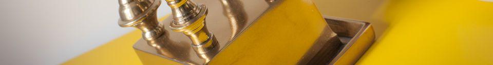 Benadrukte materialen Kold metalen kandelaar