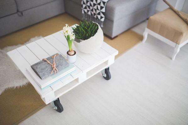 Lage witte tafel planken