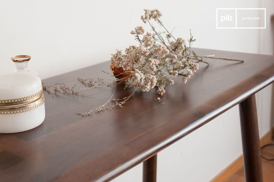 Ontworpen in een bijzonder esthetisch en verfijnd acaciahout dat prachtige walnootkleurige