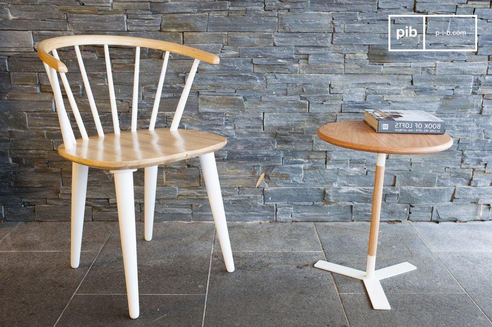 De Lidingö stoel is een prachtig zitmeubel die gemaakt is van hout en een Scandinavisch karakter heeft
