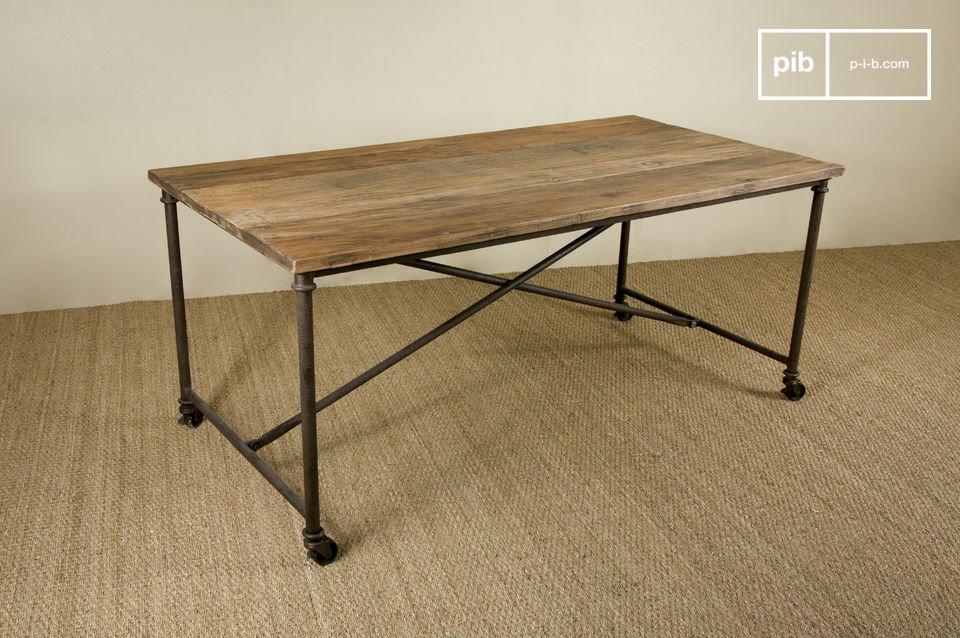 Gerecycled en gelakte iepen tafelblad met een metalen frame