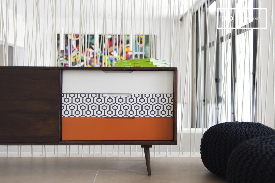 Het Londress dressoir is een typisch meubelstuk met een Scandinavische stijl dankzij het hout