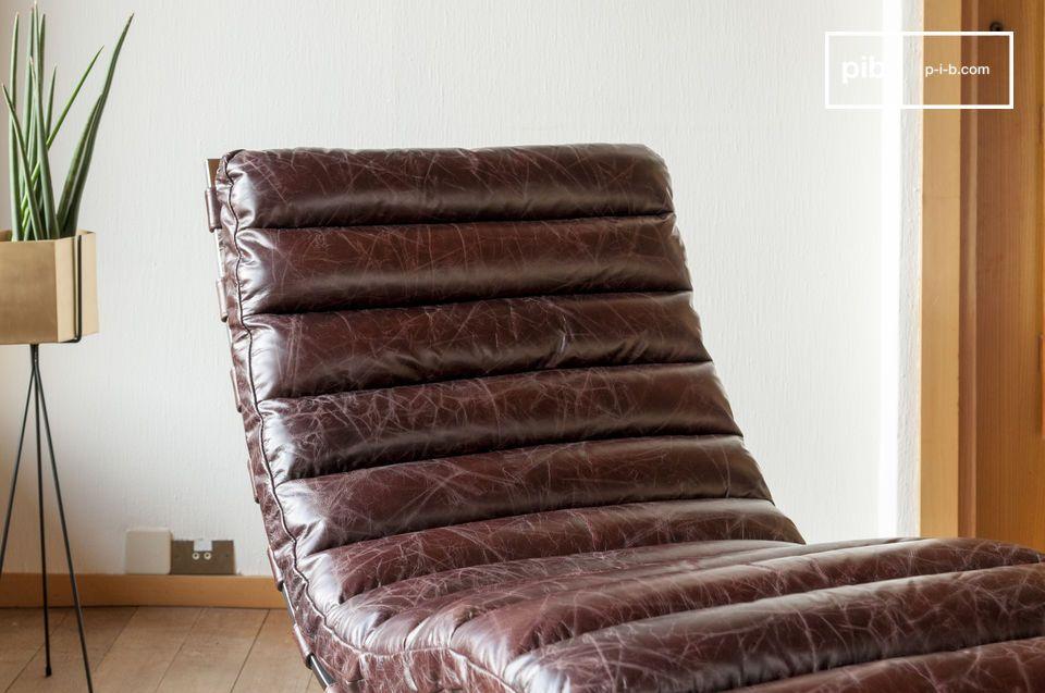 Deze gebruiksvriendelijke ontworpen en originele rust stoel heeft een verfijnde schoonheid