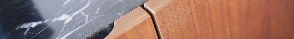Benadrukte materialen Lovisa marmer en houten dressoir