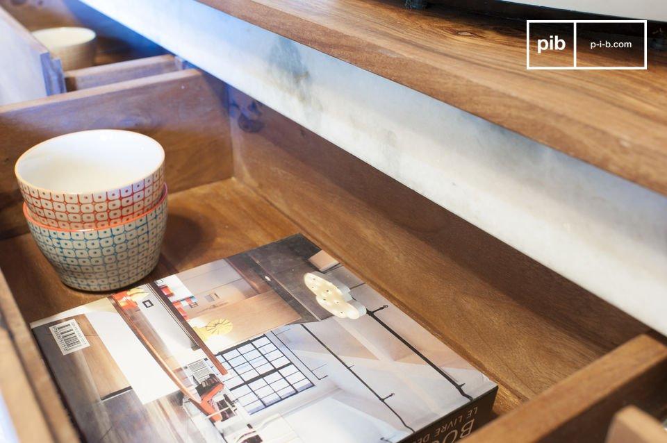 De grote Mabillon boekenkast beschikt over een uniek design dankzij de combinatie van de metalen