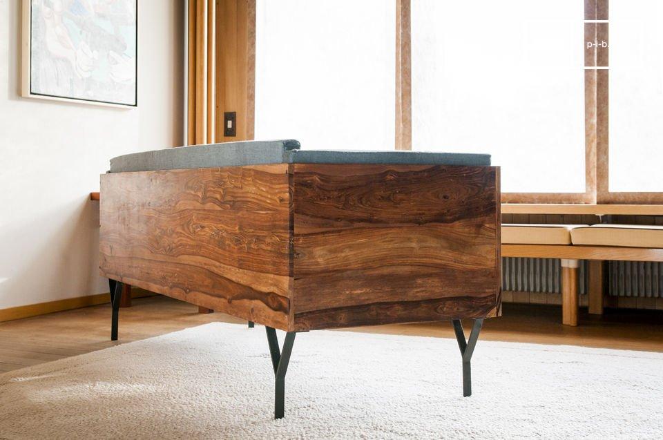 De Mabillon bank brengt een Scandinavische vintage touch aan de decoratie van je woonkamer of gang