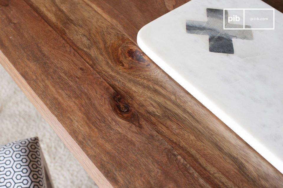 De Mabillon eettafel is ontworpen als een belangrijk decoratief element in je kamer