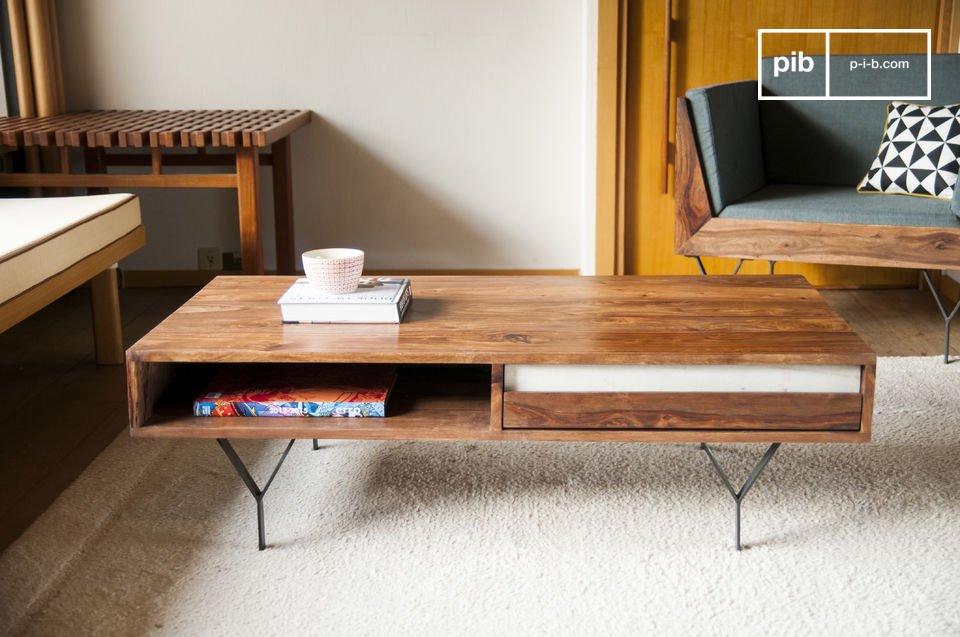 De Mabillon salontafel beschikt over een uniek design dankzij de combinatie van de metalen poten