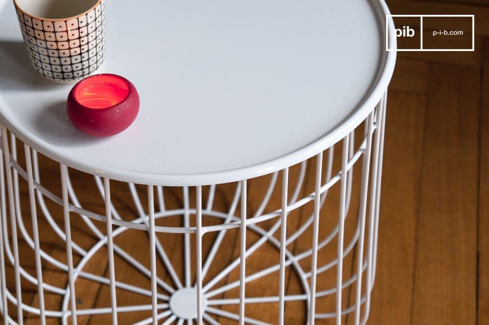 De Maitär bijzettafel is een prachtig ontwerp dat er goed uitziet en tegelijk praktisch is