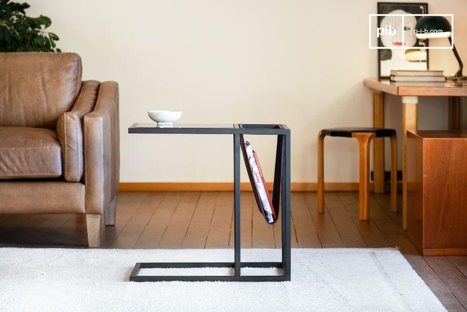 Een tijdschriftentafel in leer en elegant zwart marmer
