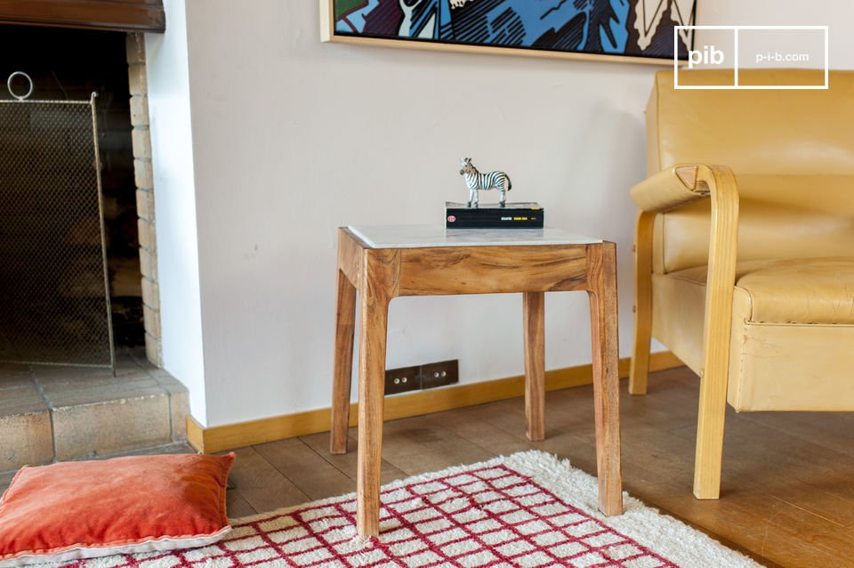 Marmeren tafelblad met strakke lijnen