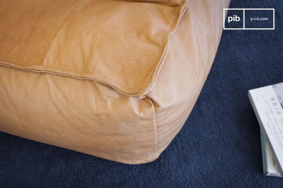 De lederen fauteuil Matignon combineert de voordelen van beide meubelstukken zonder te moeten kiezen