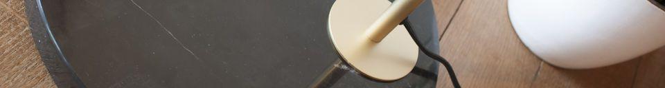Benadrukte materialen Messing en marmeren Vloerlamp Mogens