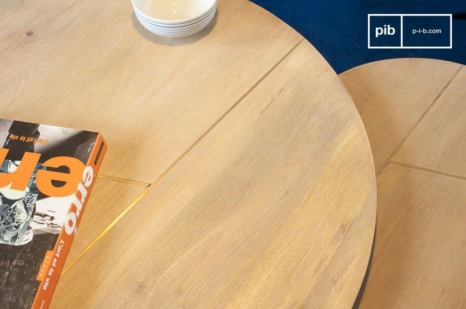 Hierdoor past de tafel zich aan, aan de ruimte die je hebt en het aantal gasten