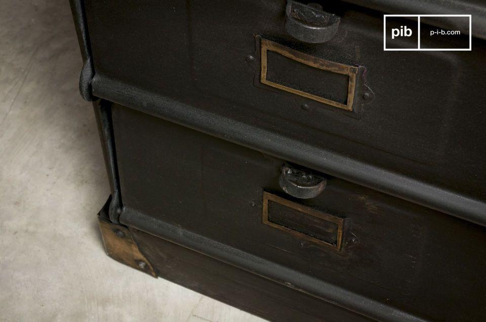 Een ladekast met een vintage industriële stijl dat karakter zal toevoegen aan je interieur terwijl