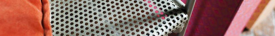 Benadrukte materialen Métalo grijs bankje