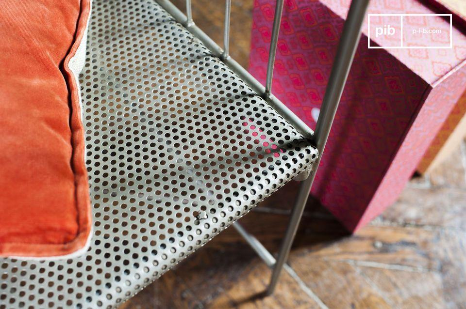 De klassieke lijnen met het gebruik van grijs staal zorgen voor een heerlijke robuuste retro look