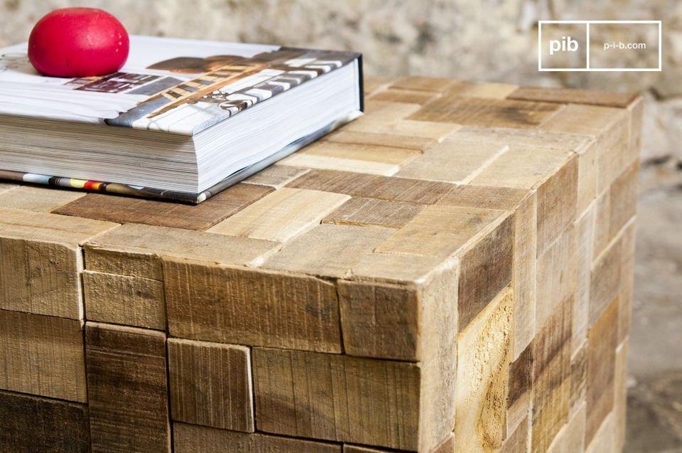 Een unieke kubusvormige tafel