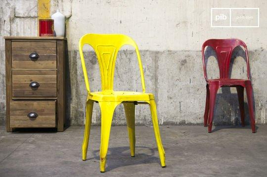 Multipl's stoel in antiek geel